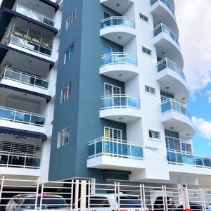 Apartamento en venta en Restauradores para inversion y vivienda. InvierteRD Realtors en remax Inmobiliaria. Regis Jimenez Agente en Punta Cana y Santo Domingo 1-809-350-4540 WhatsApp