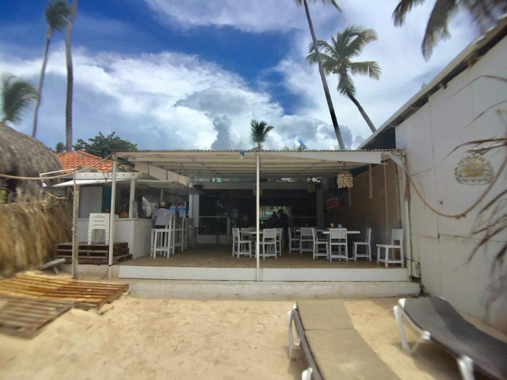 Local en venta en la playa de Bávaro el Cortecito
