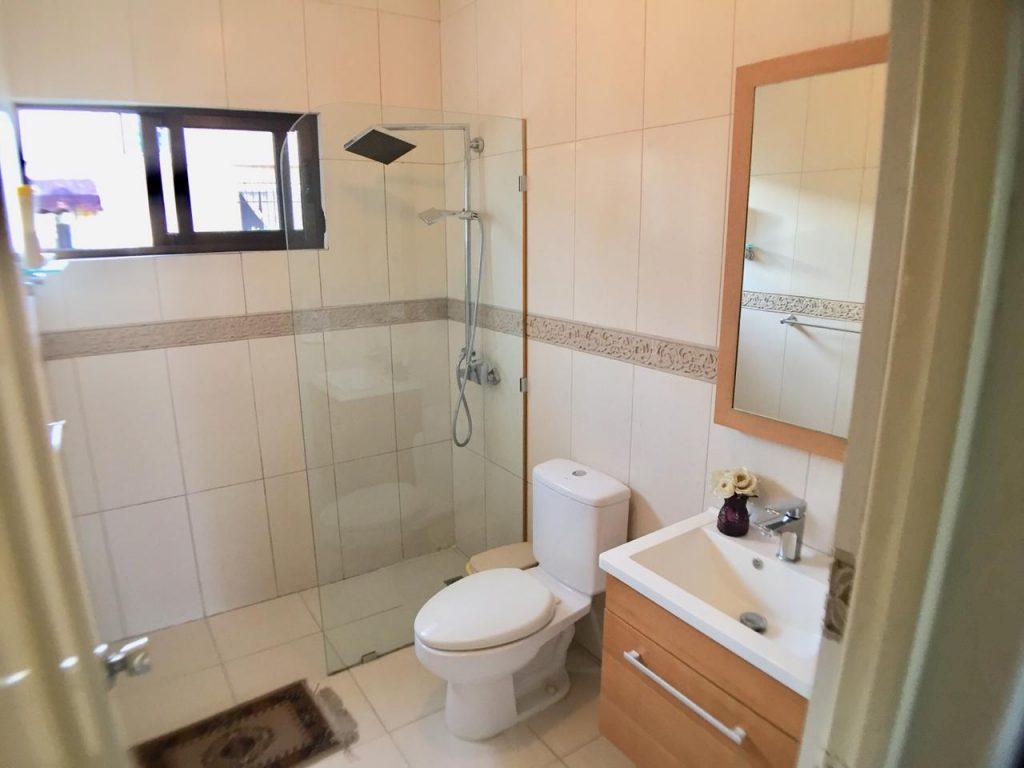 Apartamento en alquiler y venta en Arroyo Hondo