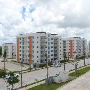 Inversión, vivienda, uso turistico y alquiler de temporadas cortas. Cuotas desde US$299 x mes-Apartamentos en construccion en Punta Cana de Crisfer, garantía Fiduciaria. Entrega Oct 2023 Desde US$299 x mes Regis Jimenez 1-809-350-4540 InvierteRD_ REMAX Inmobiliaria en Punta Cana