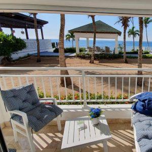 Apartamento en Juan Dolio venta. Playa en Juan Dolio - InvierteRD Realtors en Remax Inmobiliaria - Regis Jimenez agente Punta Cana
