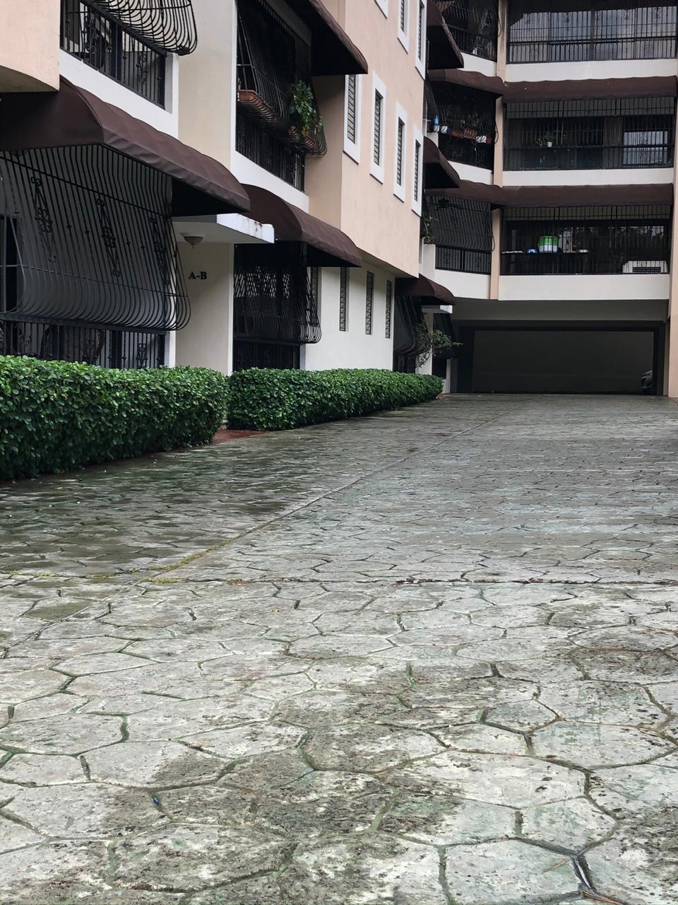 Apartamento venta en Arroyo Hondo viejo